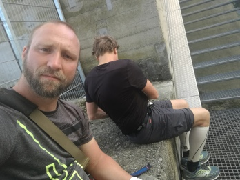 Pause bei Ingolstadt auf dem Survivalmarsch